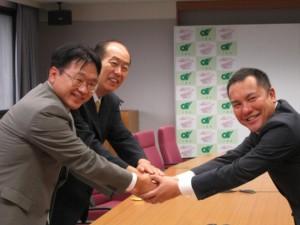 株式会社エース設備 代表取締役 国吉 修司、三重県知事、鈴木英敬様との写真。